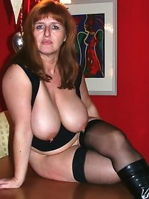 Amateur mature and granny photo sessions