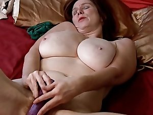 Mature and Electric Dildo. Real Pervert Masturbation!