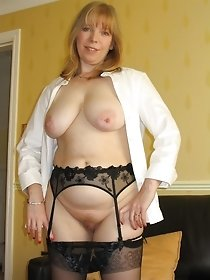 Big titted blonde babe in dark stockings - home xxx pics