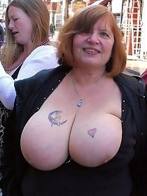 Hot mature shows a huge bobbs in public