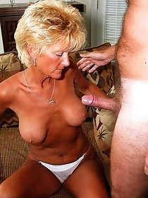 Nude blonde cougar sucks big dick to her boyfriend