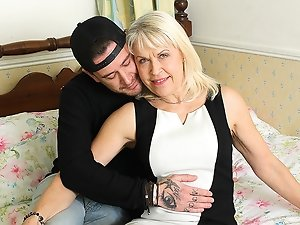This British mature lady loves fucking and sucking her hired help
