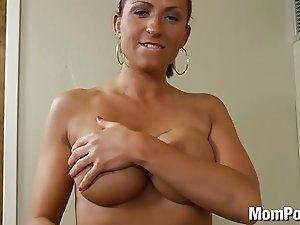 Amateur swinger MILF does first porn