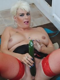 Dimonty-Dimonty Fucks With A Banana & Cucumber Pictures