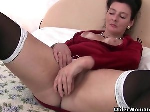 Grandma loves a dildo up her ass